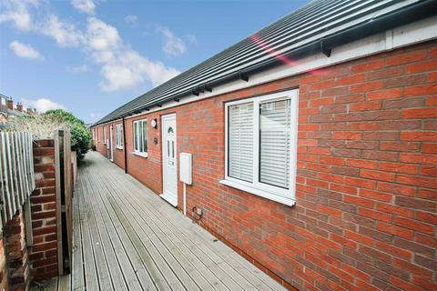 2 bedroom bungalow for sale - Princess Street, Lincoln