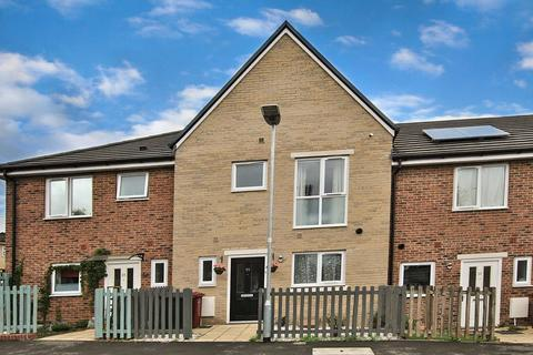 3 bedroom townhouse for sale - Leven Street, Reading