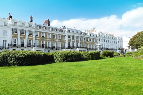 2 bedroom flat for sale - Sussex Square, Brighton, East Sussex, BN2