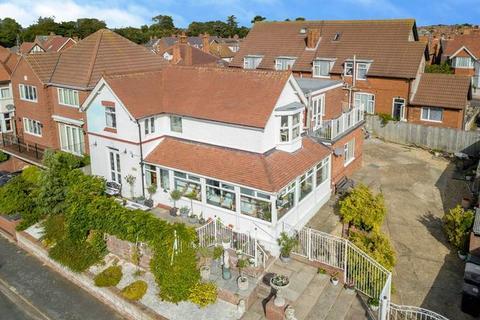 4 bedroom detached house for sale - Franklin Avenue, Skegness, PE25