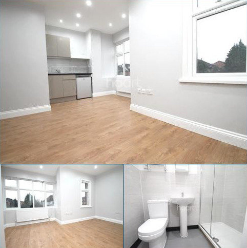 Studio to rent - Hainault, IG6