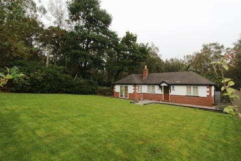 3 bedroom detached bungalow to rent - Beaudesert Park, Rugeley