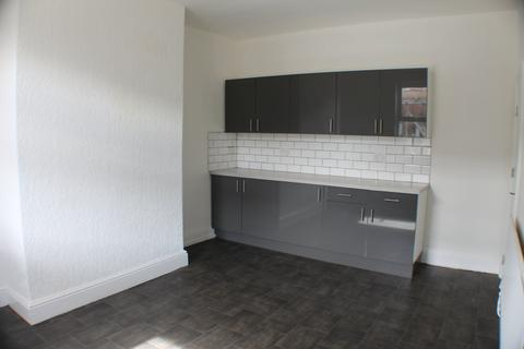 2 bedroom house to rent - Whingate Road, Armley, Leeds