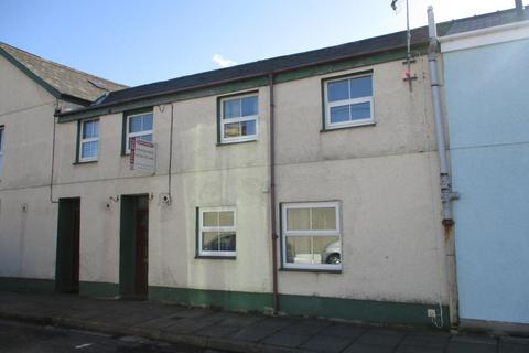 2 bedroom terraced house for sale - East Avenue, Porthmadog