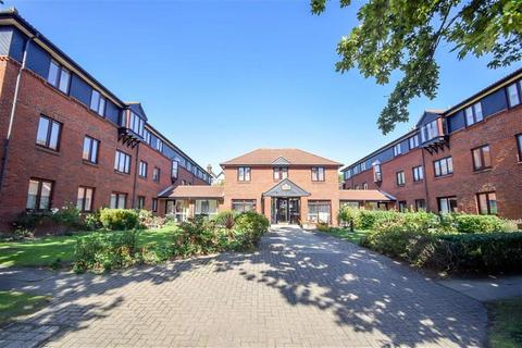 1 bedroom flat for sale - Imperial Avenue, Westcliff-on-sea, Essex