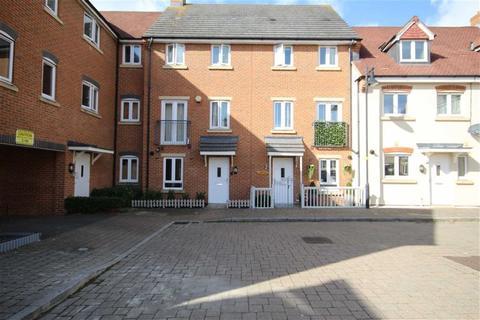 3 bedroom townhouse for sale - Piernik Close, Haydon End