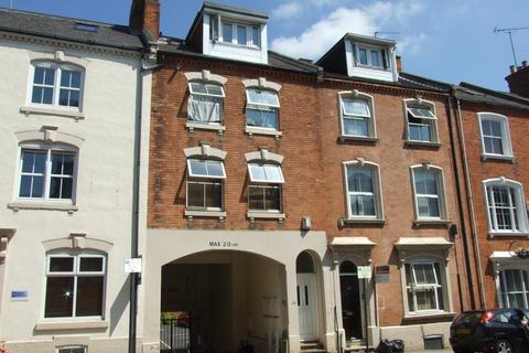 3 bedroom flat to rent - TOWN CENTRE - UNFURNISHED