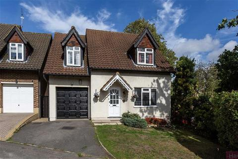 4 bedroom detached house to rent - Postern Green, Enfield