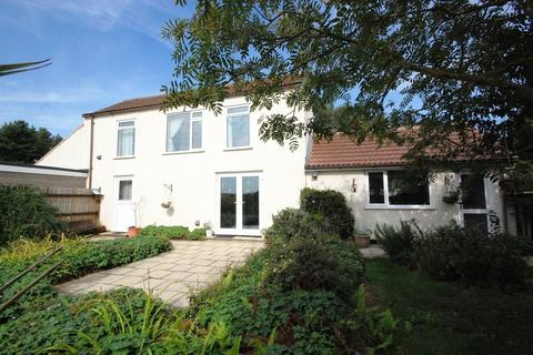 4 bedroom farm house for sale - North Somercotes