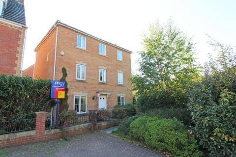 5 bedroom detached house to rent - Bates Court, Radyr
