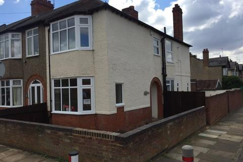 3 bedroom end of terrace house to rent - Brookland Road,  Northampton, NN1