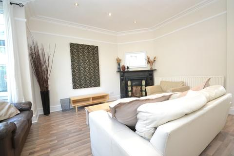 4 bedroom terraced house to rent - Meanwood Road, Meanwood, Leeds