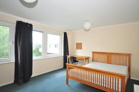 3 bedroom maisonette to rent - Warwick Crescent Southsea PO5