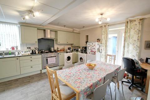 3 bedroom semi-detached house for sale - Greenacre Drive, Evington