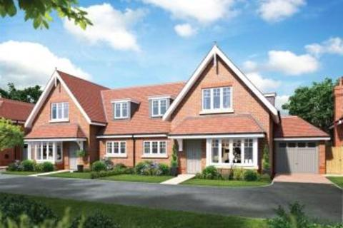 3 bedroom semi-detached house for sale - Nower Place, Epsom Downs