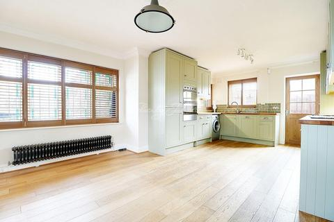 3 bedroom detached house for sale - Eaglesfield Road, Shooters Hill, SE18