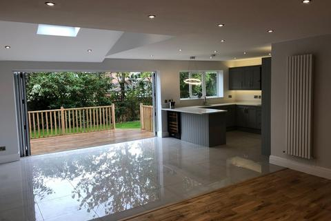 5 bedroom semi-detached house to rent - Perry Road, Timperley