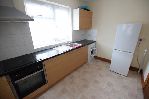 4 bedroom apartment to rent - High Street, Slough, Berkshire, SL1