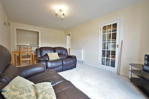 2 bedroom flat to rent - Holyrood Court, Edinburgh EH8