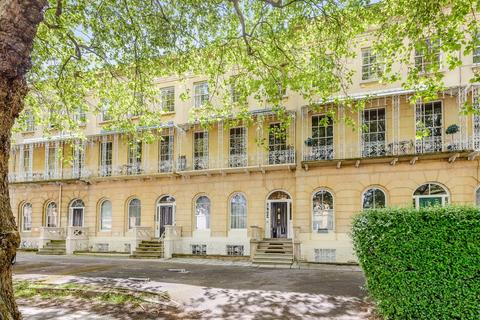 6 bedroom terraced house for sale - Queens Parade, Cheltenham, Gloucestershire, GL50