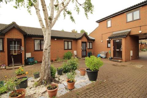 1 bedroom terraced bungalow for sale - Bletchingley Close, Thornton Heath, Surrey