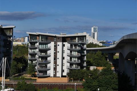 2 bedroom flat for sale - Victoria Wharf Watkiss Way, Cardiff