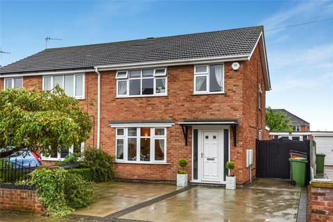 3 bedroom semi-detached house for sale - Faulding Way, Wybers Wood, DN37
