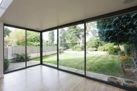 2 bedroom apartment to rent - Park Lane                          ,