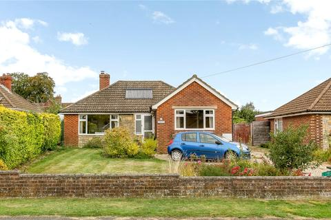 3 bedroom detached bungalow for sale - Orchard Road, South Wonston, Winchester, Hampshire, SO21