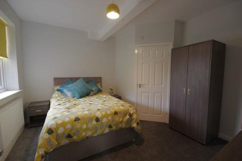 7 bedroom house share to rent - Oldham Road, Failsworth