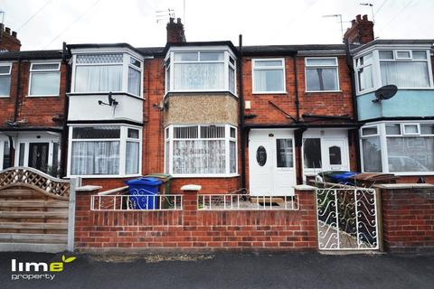3 bedroom terraced house to rent - Keswick Gardens, Hull, HU6 8TD