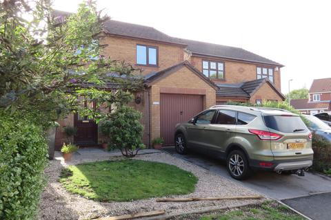3 bedroom detached house to rent - Bluebell Close, Biddulph
