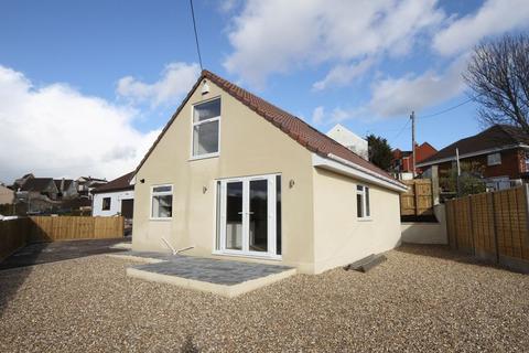 2 bedroom bungalow to rent - 87 Fir Tree Lane, Bristol