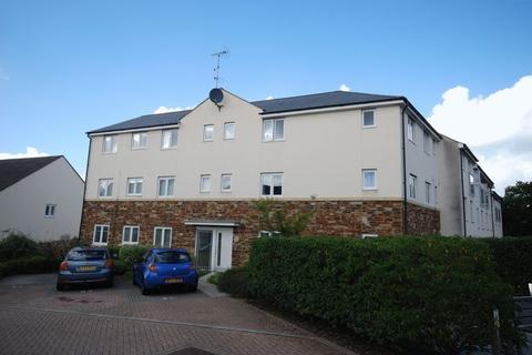 2 bedroom flat for sale - Fleetwood Gardens, Southway, Plymouth. A really spacious and extremely well cared for 2 double bedroomed flat