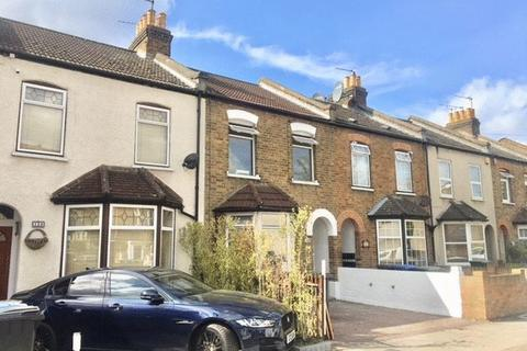 4 bedroom terraced house to rent - Mandeville Road, Enfield, London EN3
