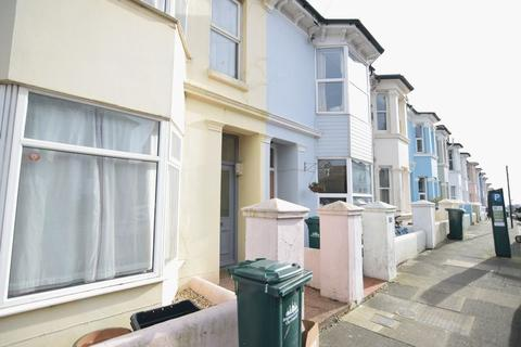 4 bedroom terraced house to rent - Crescent Road, Brighton