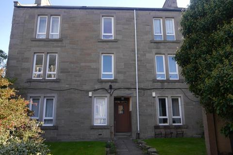 2 bedroom flat to rent - High Street, Lochee,