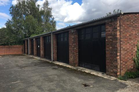 Garage to rent - Ross Street, Cambridge