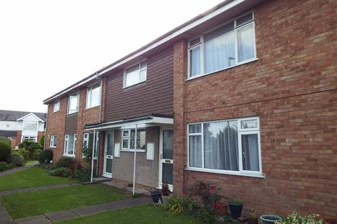 2 bedroom flat to rent - Hucclecote Road, Gloucester