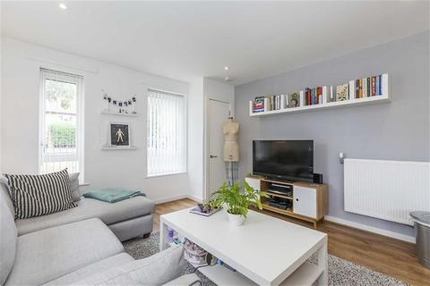 1 bedroom flat for sale - Titley Close, Chingford