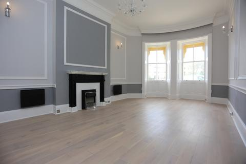 1 bedroom ground floor flat to rent - Brunswick Square, Hove