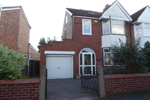 4 bedroom semi-detached house to rent - 28 Vicars Road