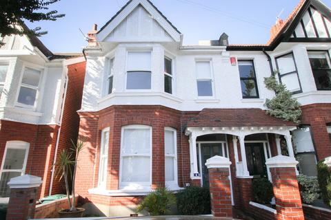 4 bedroom semi-detached house for sale - Glendale Road, Hove