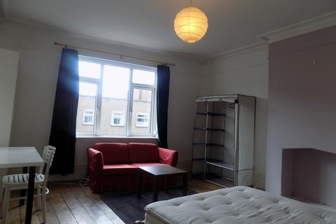 2 bedroom flat to rent - Albert Road, Southsea