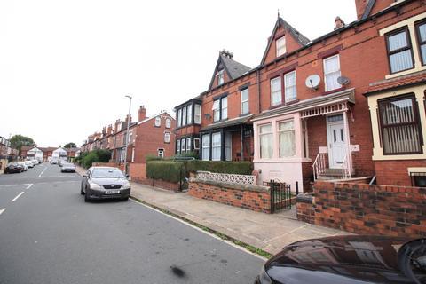 4 bedroom terraced house to rent - , Leeds, West Yorkshire, LS7