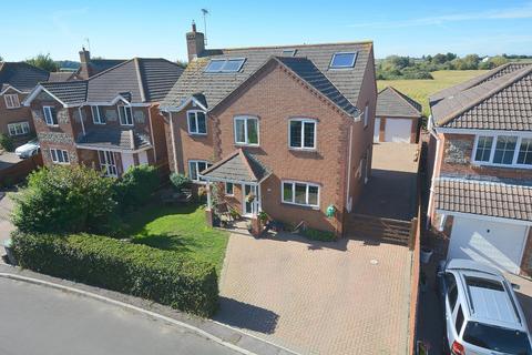 6 bedroom detached house for sale - Charborough Way, Sturminster Marshall, Wimborne