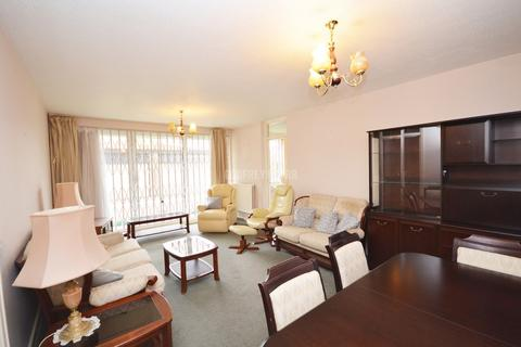 2 bedroom apartment for sale - Canons Corner, Stanmore/Edgware borders