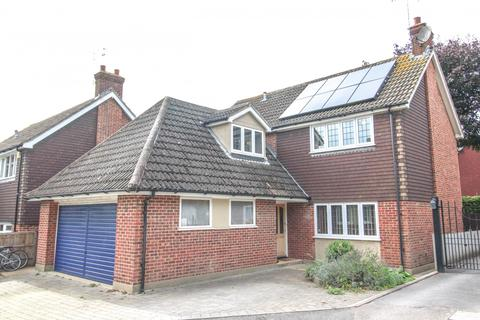 4 bedroom detached house for sale - Thomas Close, Brentwood, Essex, CM15