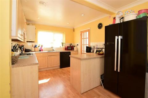 3 bedroom semi-detached house for sale - Denton Drive, Hollingbury, Brighton, East Sussex