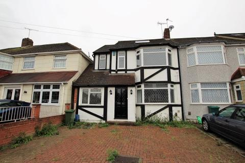 4 bedroom end of terrace house to rent - Cheriton Avenue, Clayhall IG5